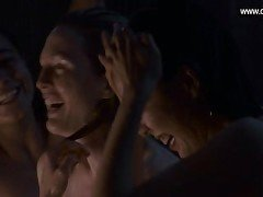 Julianne Moore, Alice Braga - Showering with the Girls, Topless Lesbian