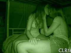 hot bitches are getting off as they make out